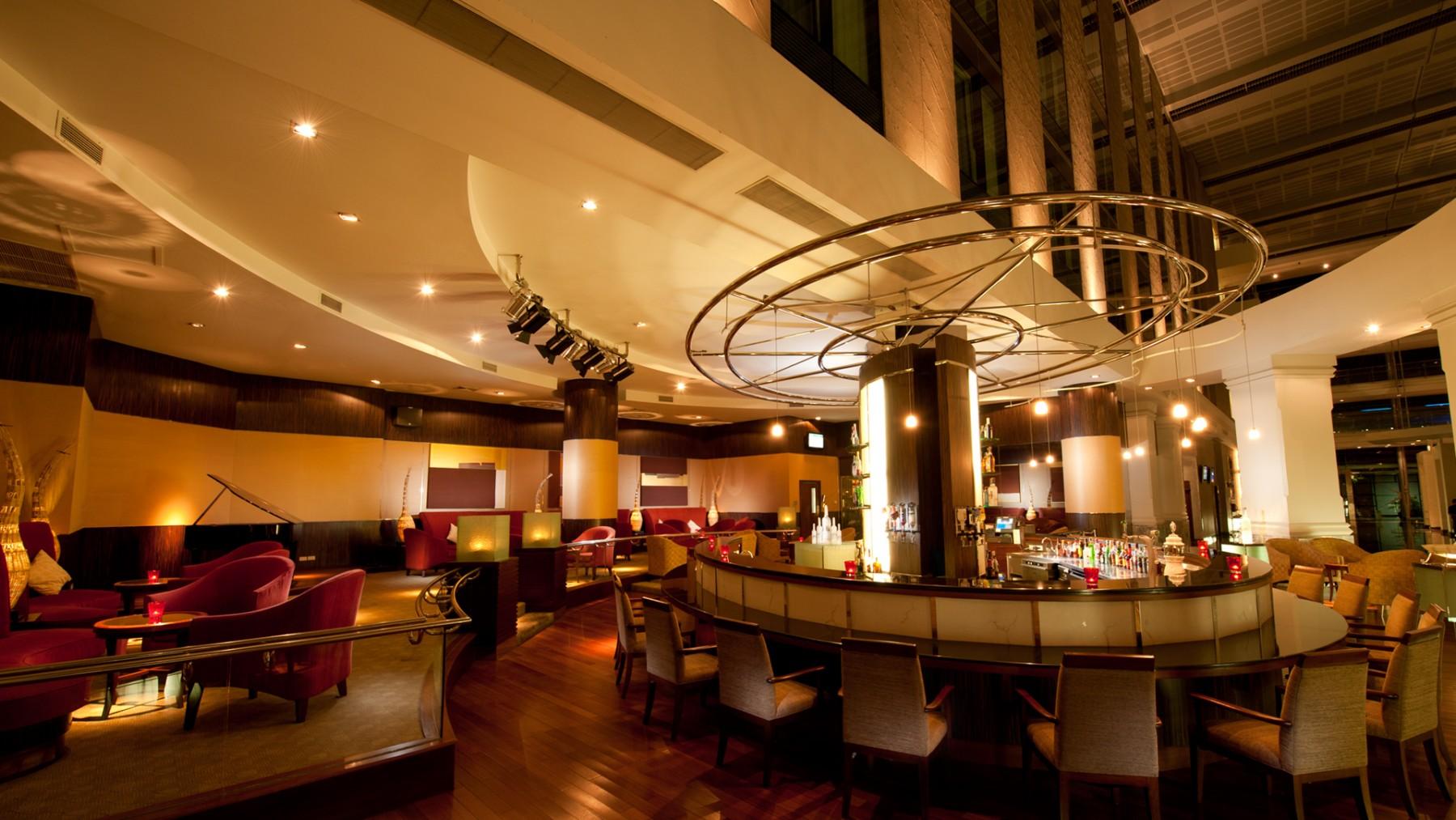 free dating site bangkok airport lounge