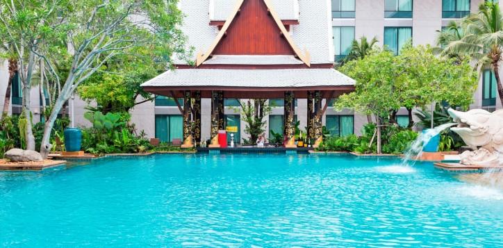 splash-pool-bar-2