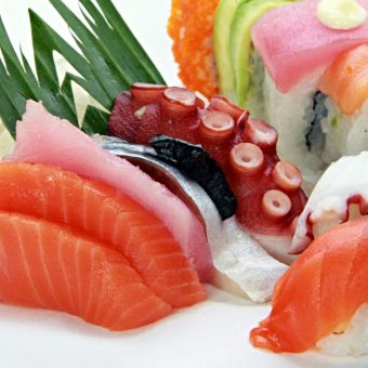 sushi-buffet-with-free-flow-beer